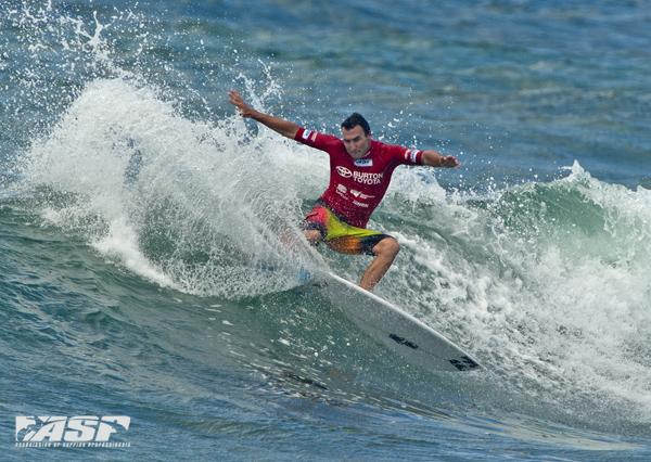 JOEL PARKINSON WINNING HIS OPENING ROUND HEAT AT SURFEST NEWCASTLE AUSTRALIA